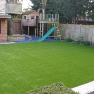 artificial-grass-west-londo