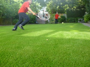 Artificial grass for the home - slide 1